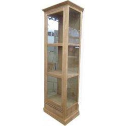Vitrinekast met glas aan voorzijde en zijkanten